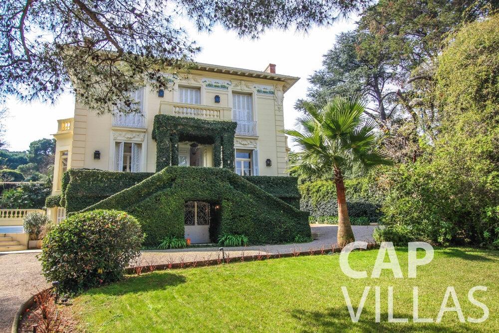 let Villa Antonio cap ferrat property