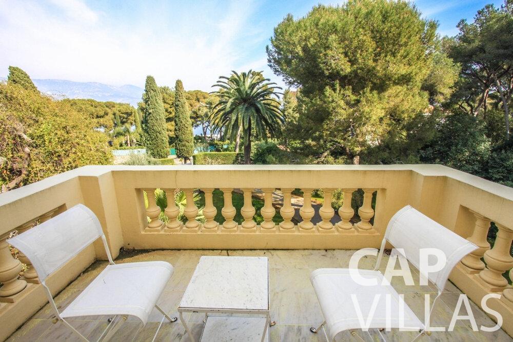rent Villa Antonio cap ferrat balcony