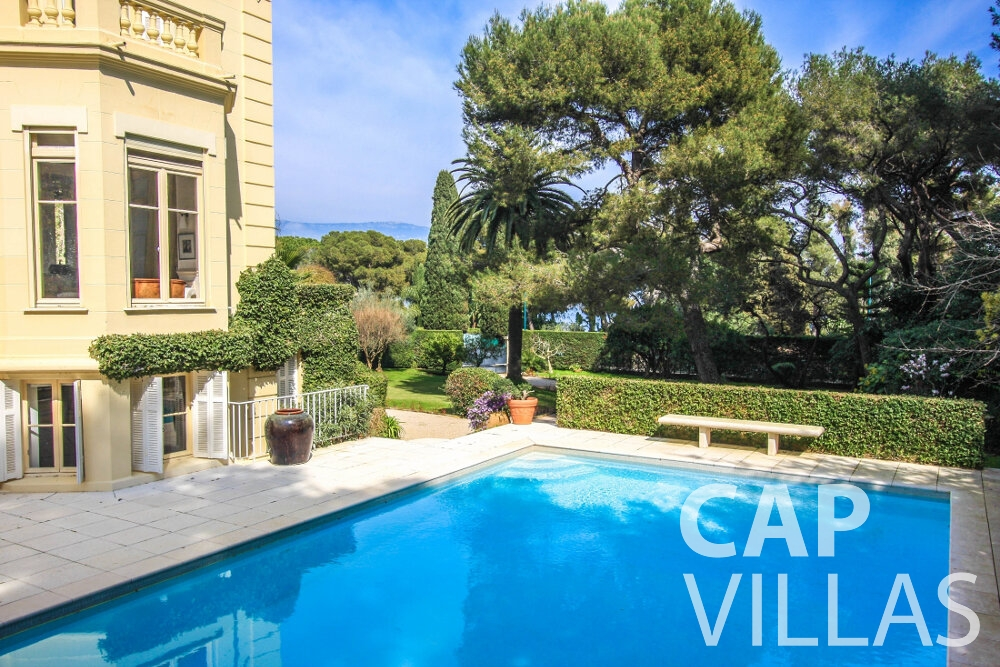 rent Villa Antonio cap ferrat swimming pool