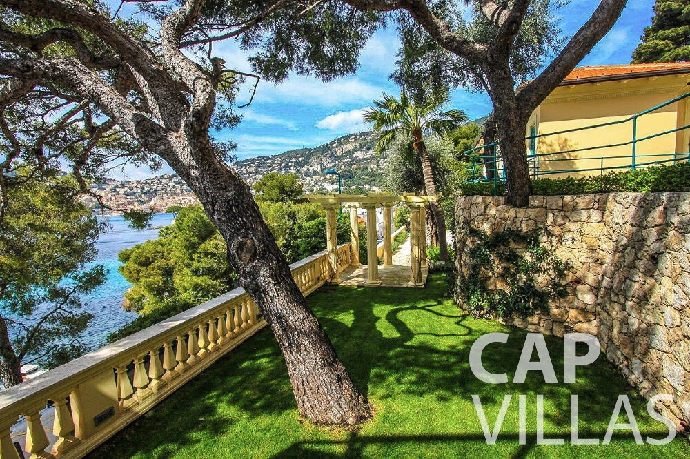 holiday house for sale cap ferrat split level garden