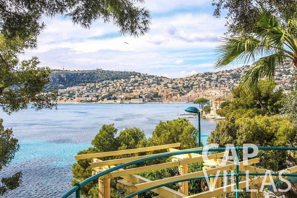 villa for sale cap ferrat bay