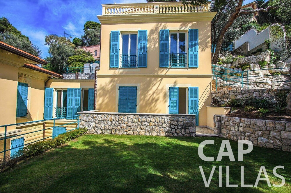 villa for sale cap ferrat garden wall