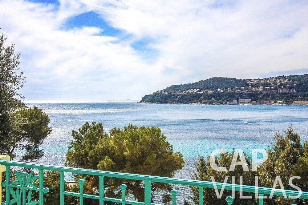 villa for sale cap ferrat railing
