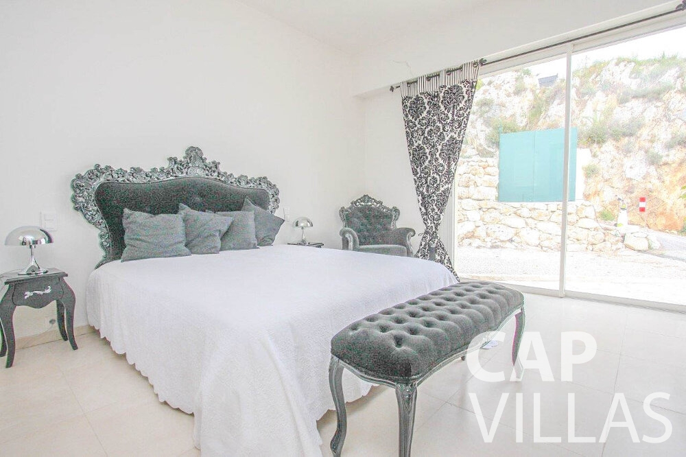 holiday rental Villa Marigold cap de nice bedroom