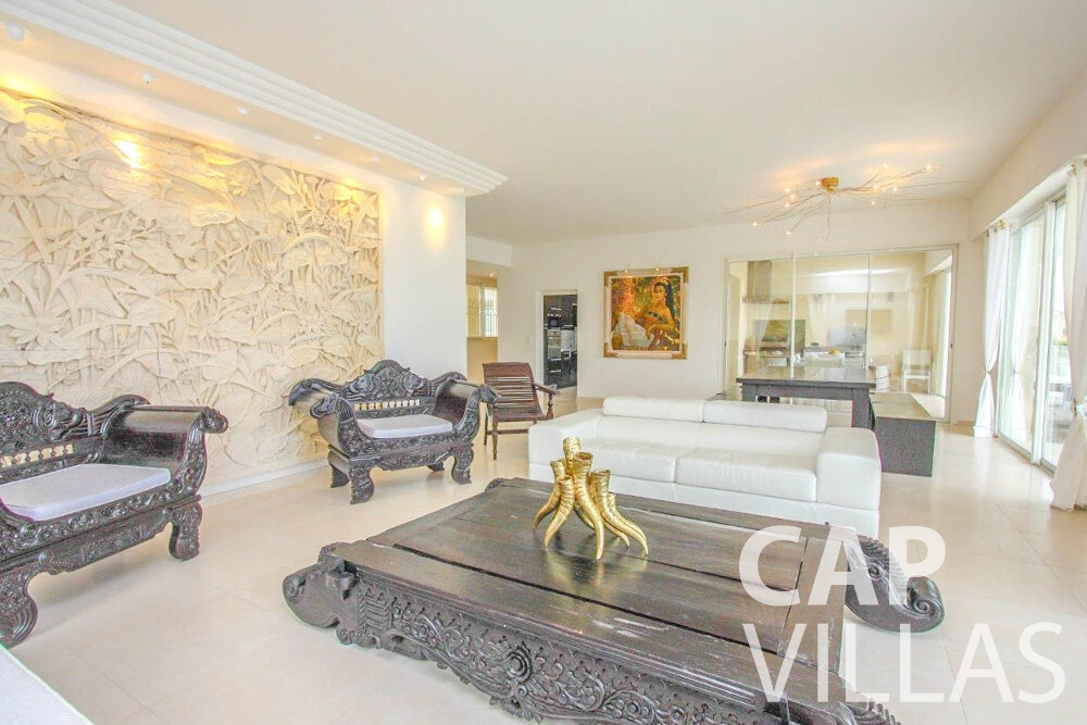 let Villa Marigold cap de nice living room
