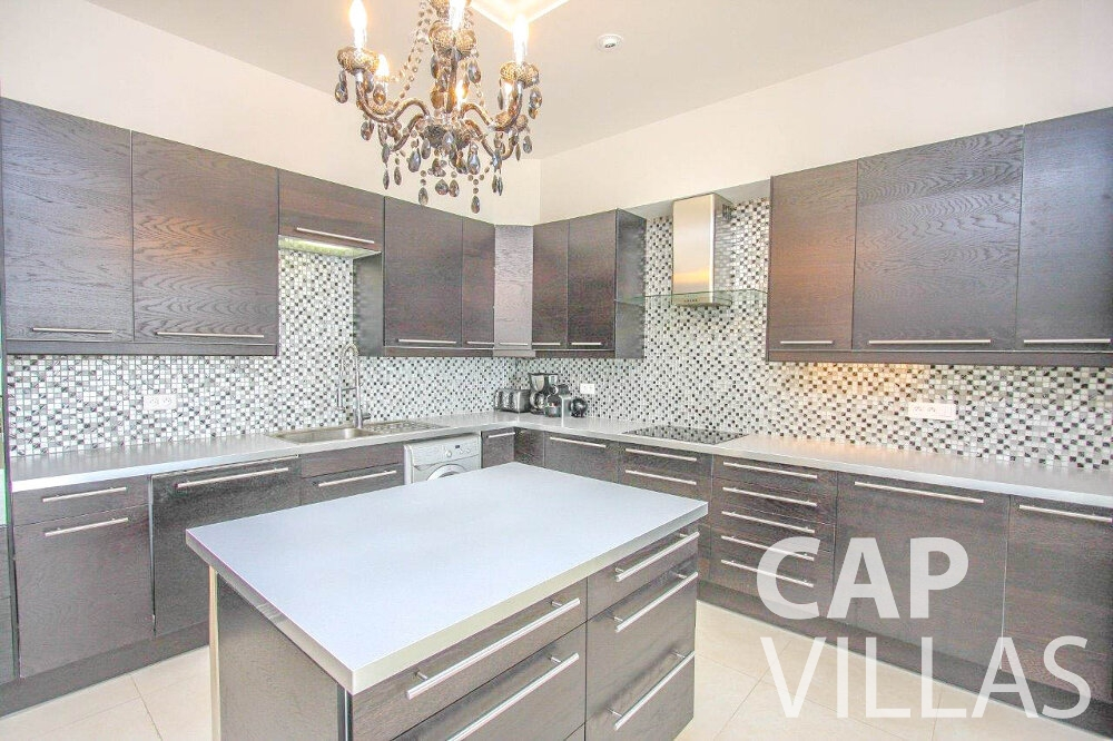 rent Villa Marigold cap de nice kitchen