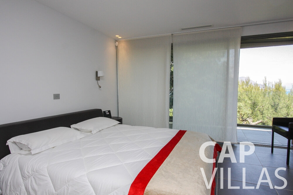 holiday rental Villa Petal cap de nice bedroom