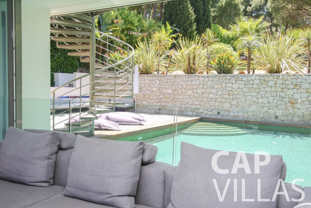 holiday rental Villa Petal cap de nice outdoor pool
