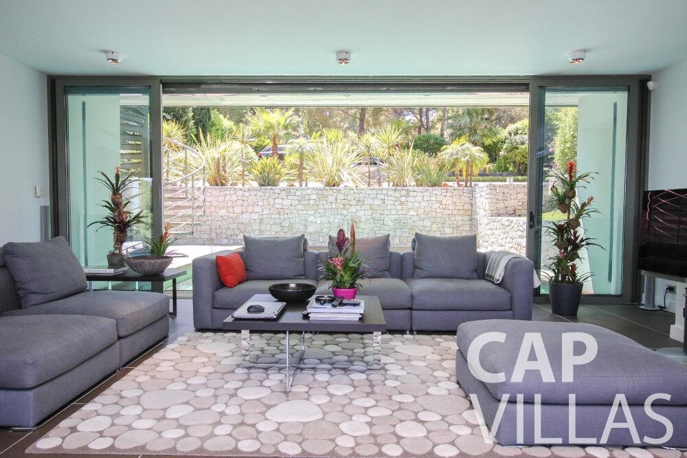 let Villa Petal cap de nice living room