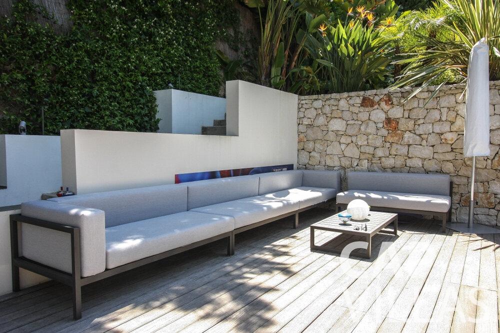 let Villa Petal cap de nice terrace