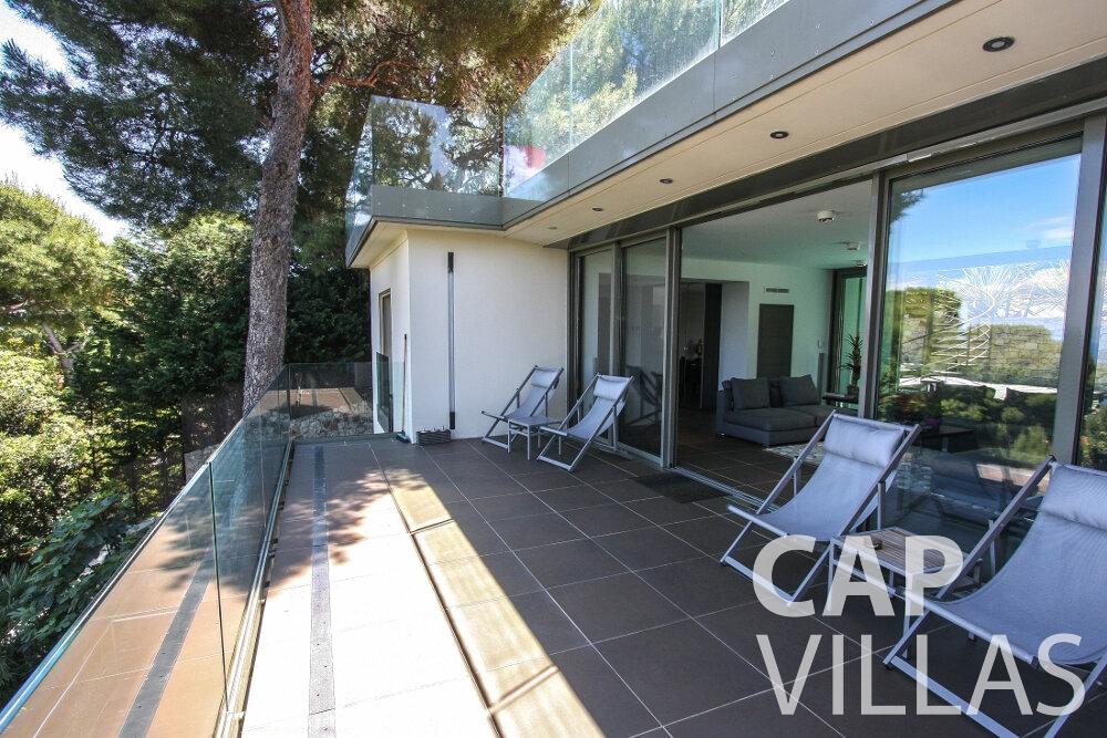 rent Villa Petal cap de nice balcony