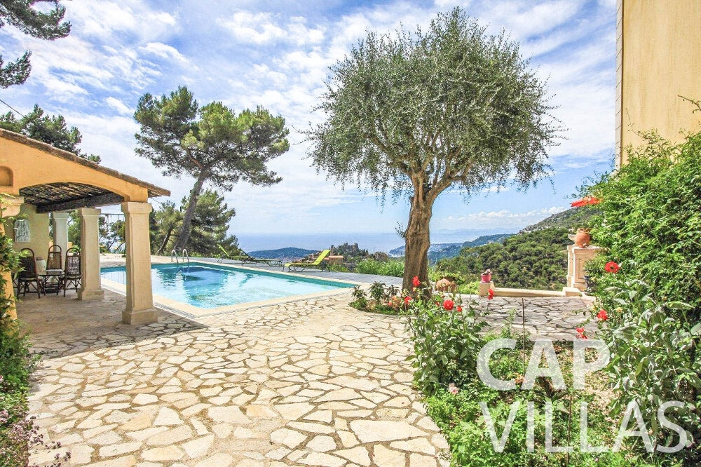 holiday house for sale eze swimming pool