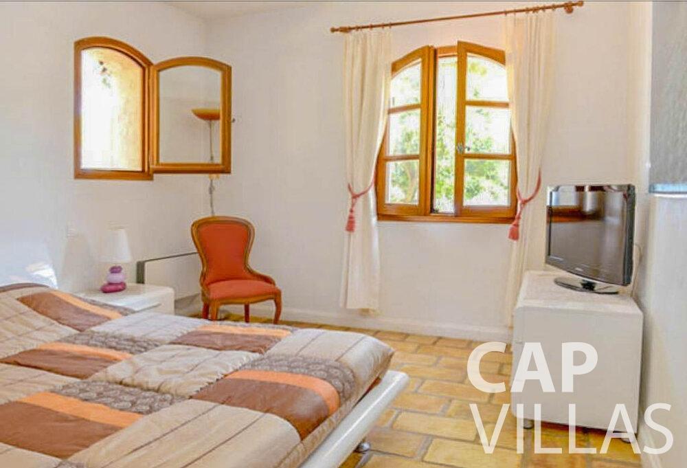 let Villa Primrose cap martin roquebrune bedroom