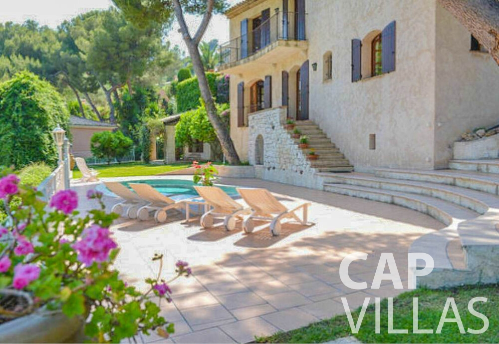 let Villa Primrose cap martin roquebrune property
