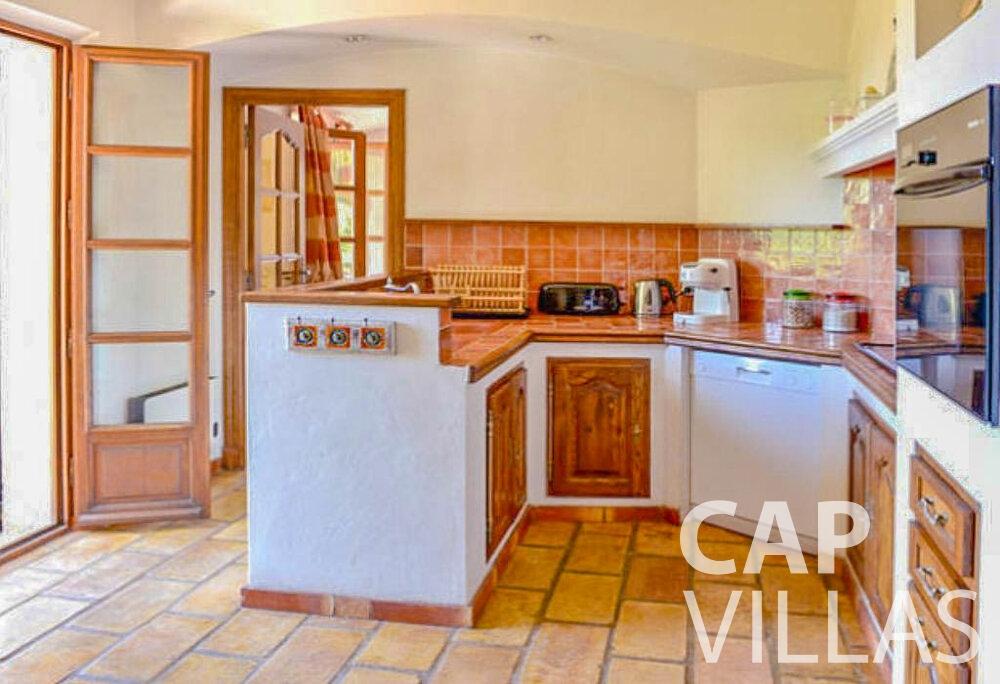 rent Villa Primrose cap martin roquebrune kitchen