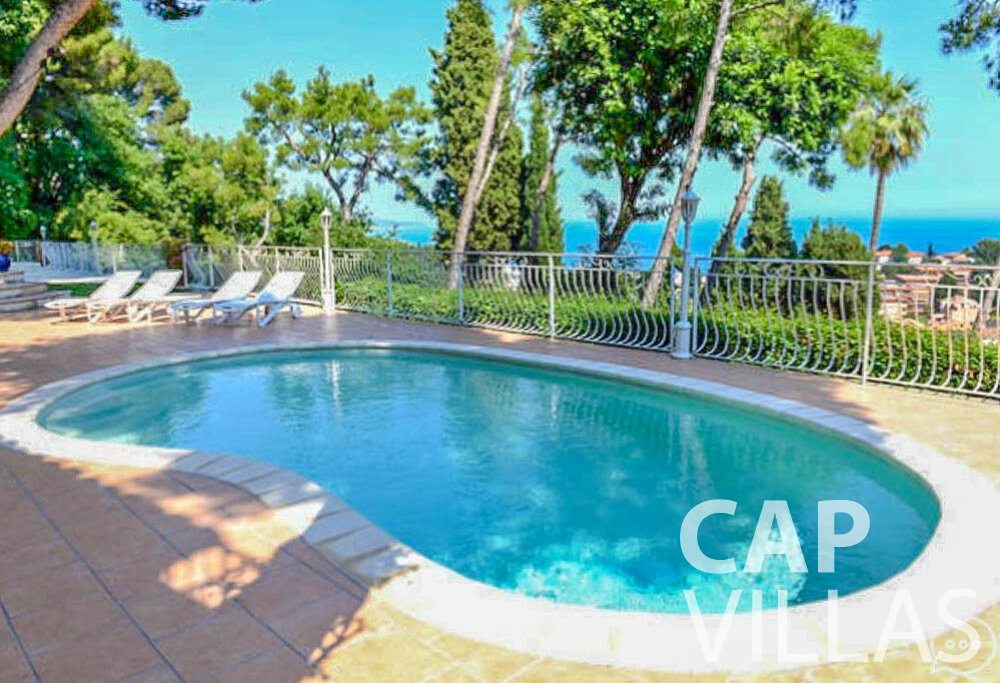 rent Villa Primrose cap martin roquebrune swimming pool