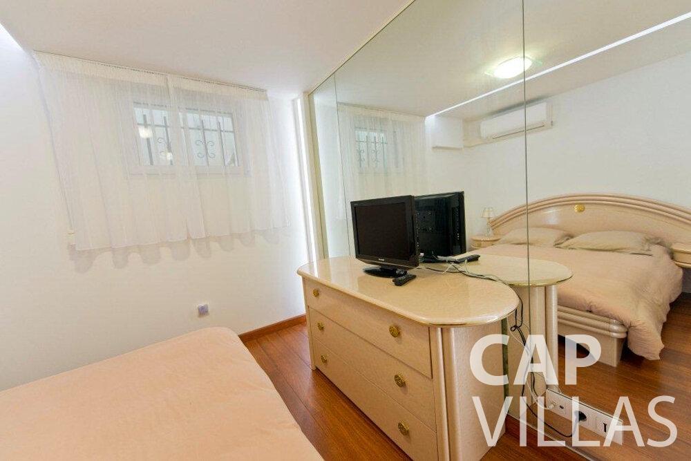 holiday rental Villa Violet cap ferrat bedroom