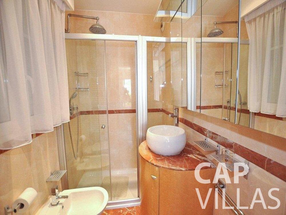let Villa Violet cap ferrat batoom
