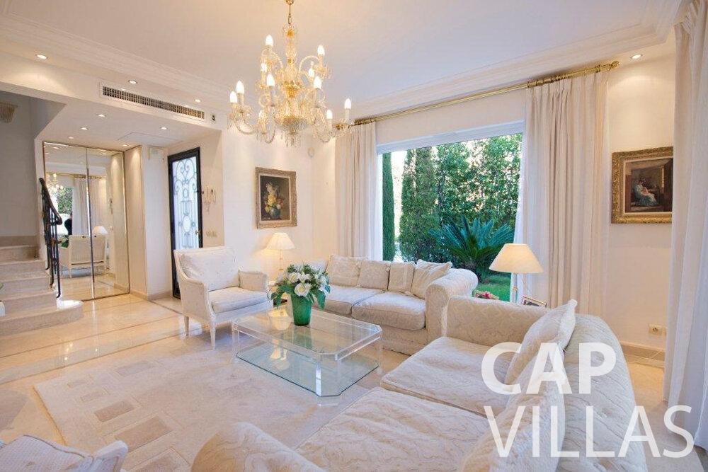 let Villa Violet cap ferrat living room