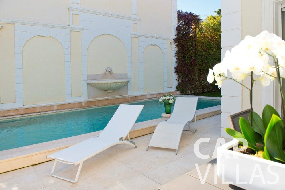 let Villa Violet cap ferrat swimming pool
