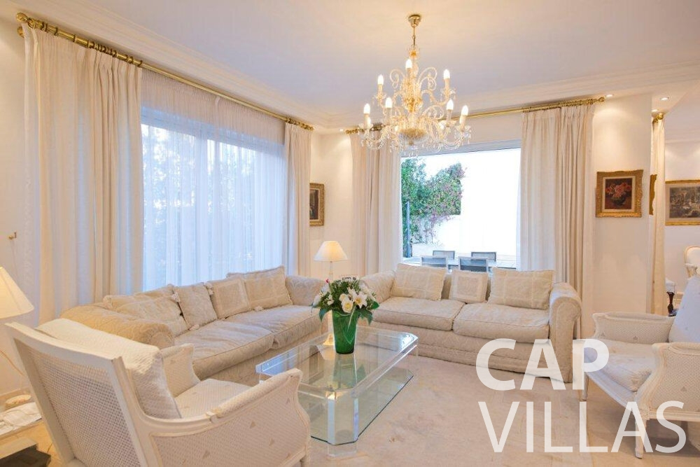 rent Villa Violet cap ferrat living room