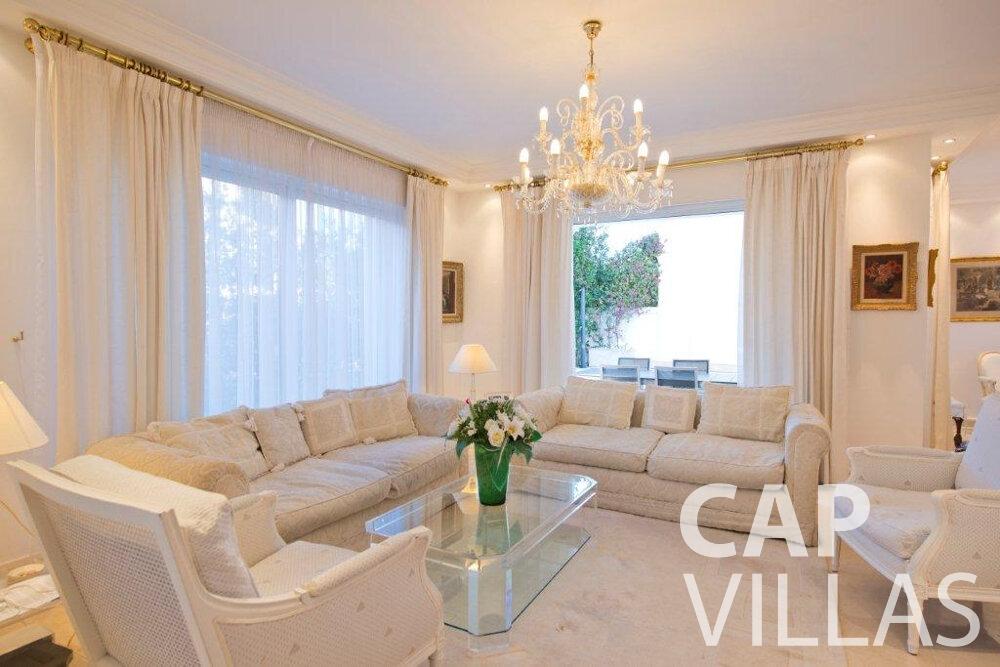 rent Villa Violet cap ferrat living room