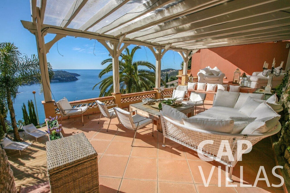 holiday rental Villa Azalea villefrenche covered terrace