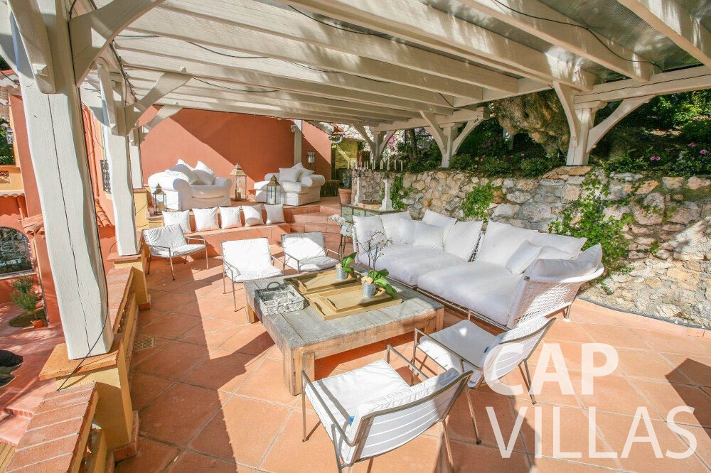 let Villa Azalea villefrenche closed terrace