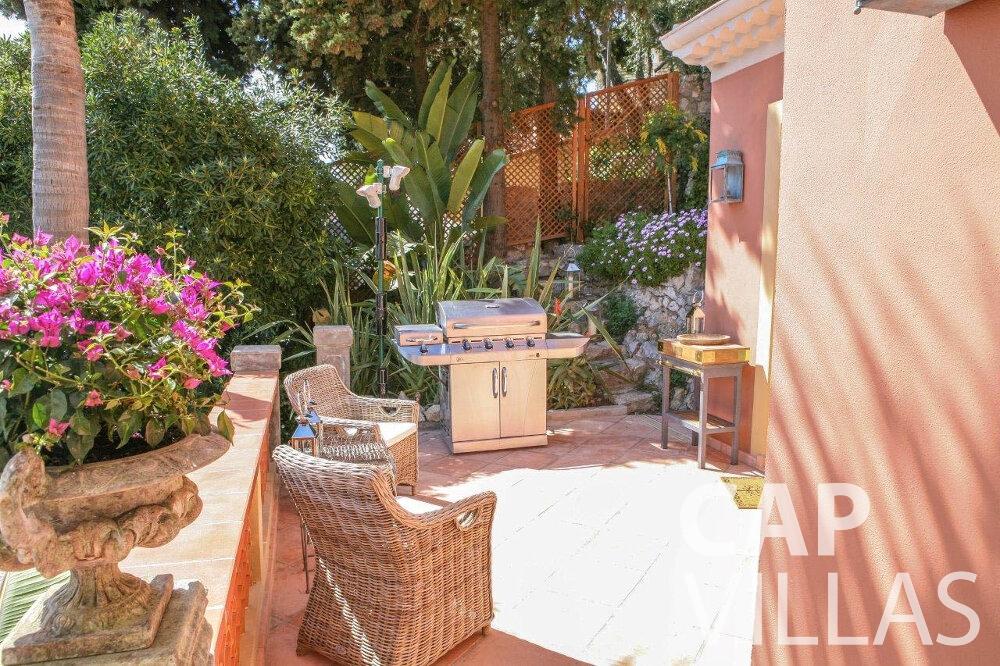 rent Villa Azalea villefrenche bbq