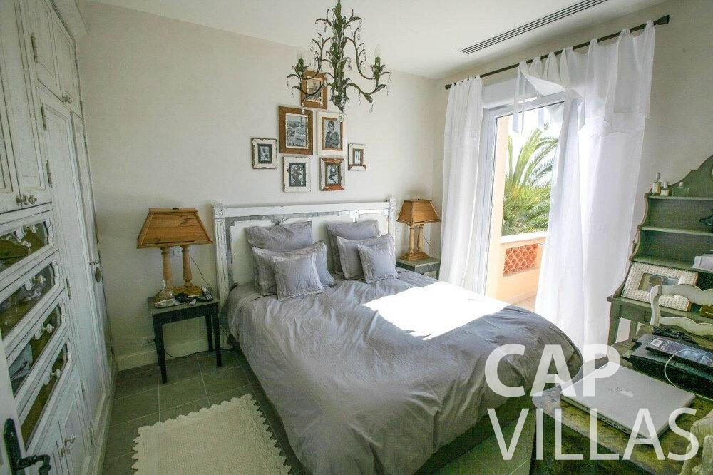 rent Villa Azalea villefrenche bedroom