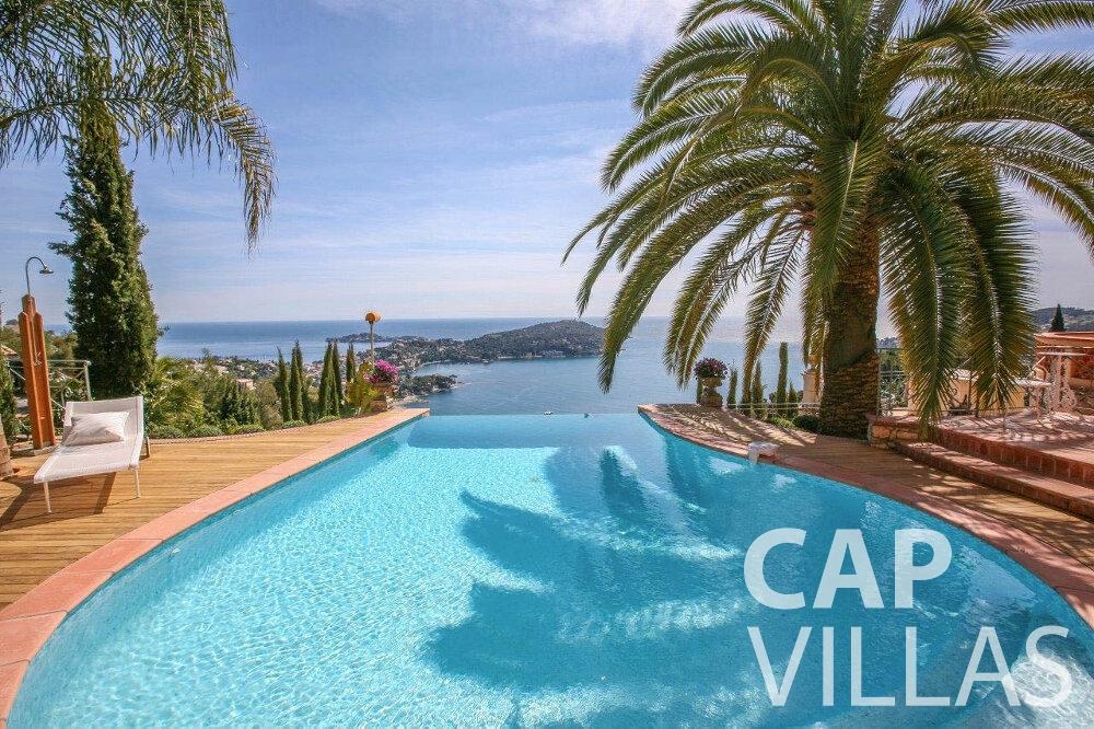 rent Villa Azalea villefrenche pool sea view