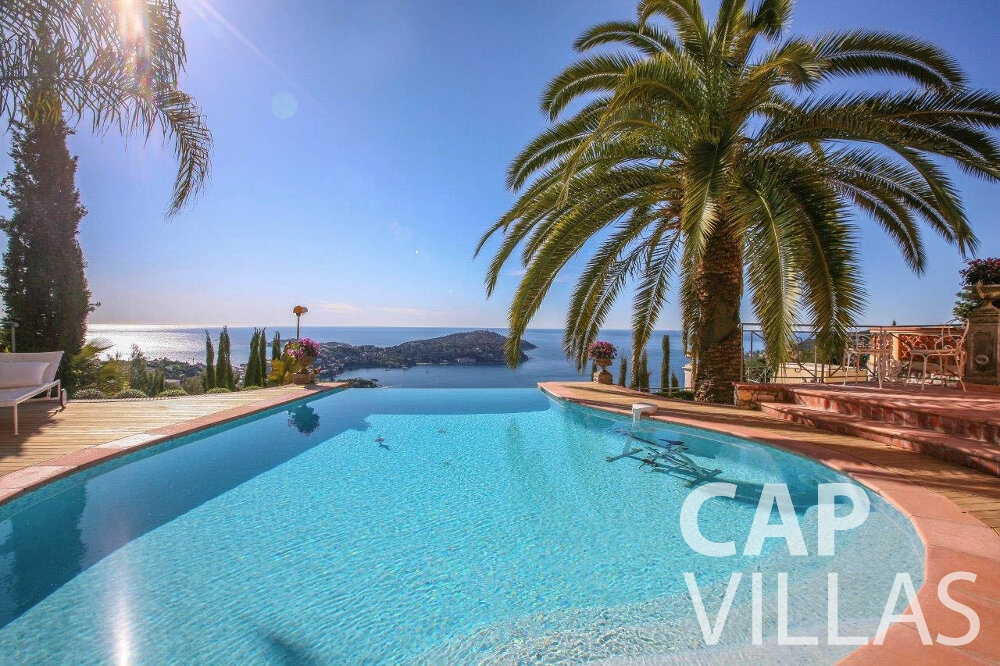 rent Villa Azalea villefrenche swimming pool sea view