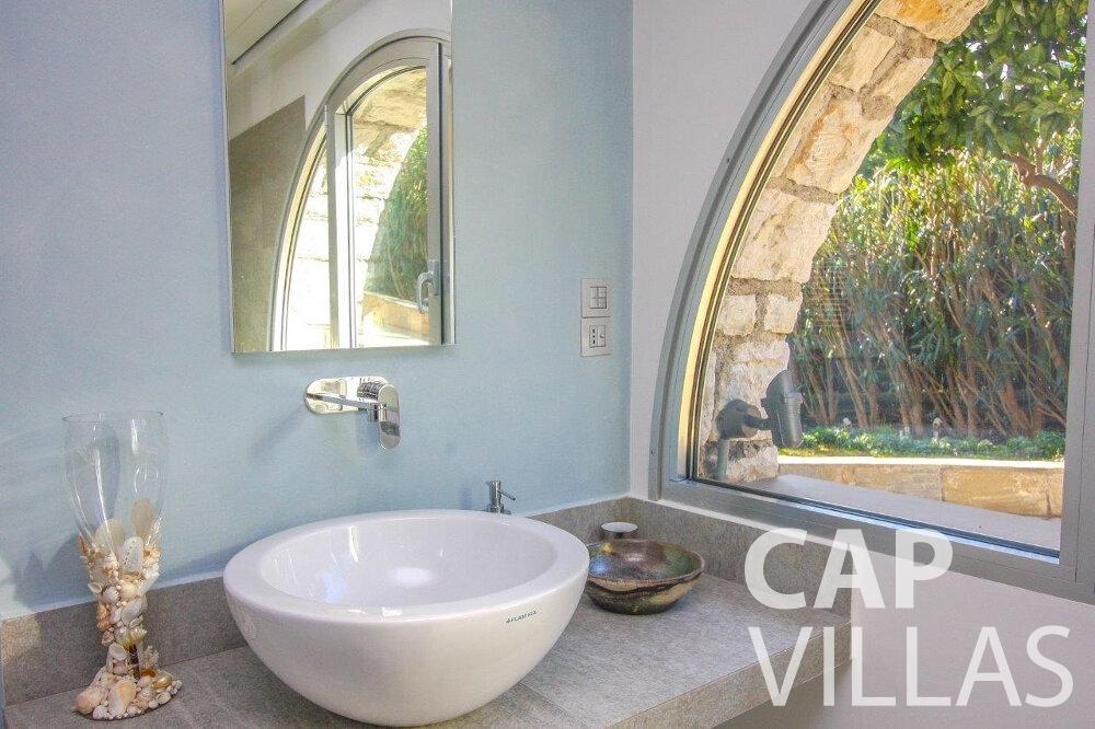 let Villa Dahlia cap ferrat batoom