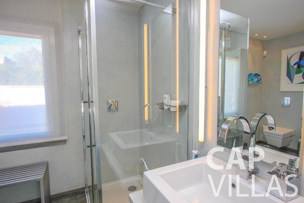 rent Villa Dahlia cap ferrat batoom