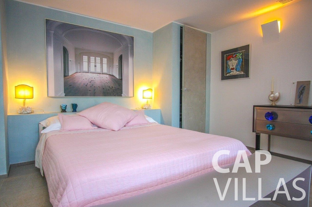 rent Villa Dahlia cap ferrat bedroom