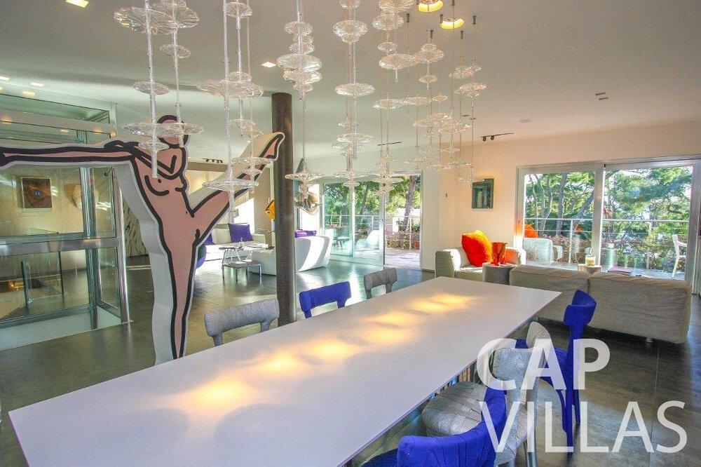 rent Villa Dahlia cap ferrat dining area
