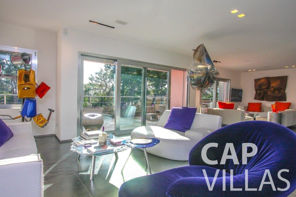 rent Villa Dahlia cap ferrat living room