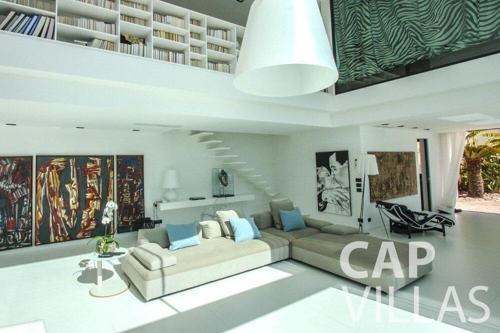 let Villa Flora cap martin roquebrune living room
