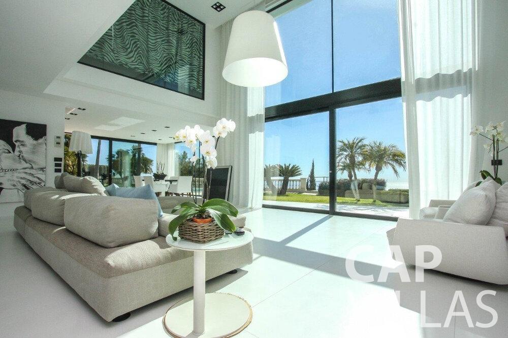 rent Villa Flora cap martin roquebrune living room