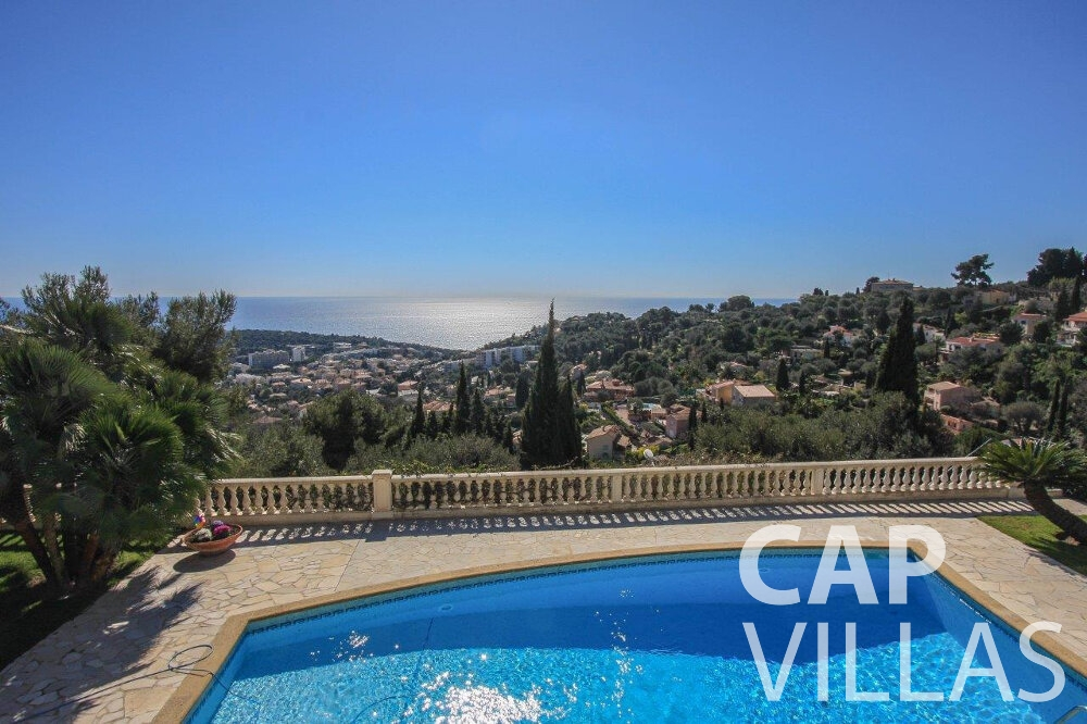 rent Villa Flora cap martin roquebrune pool sea view