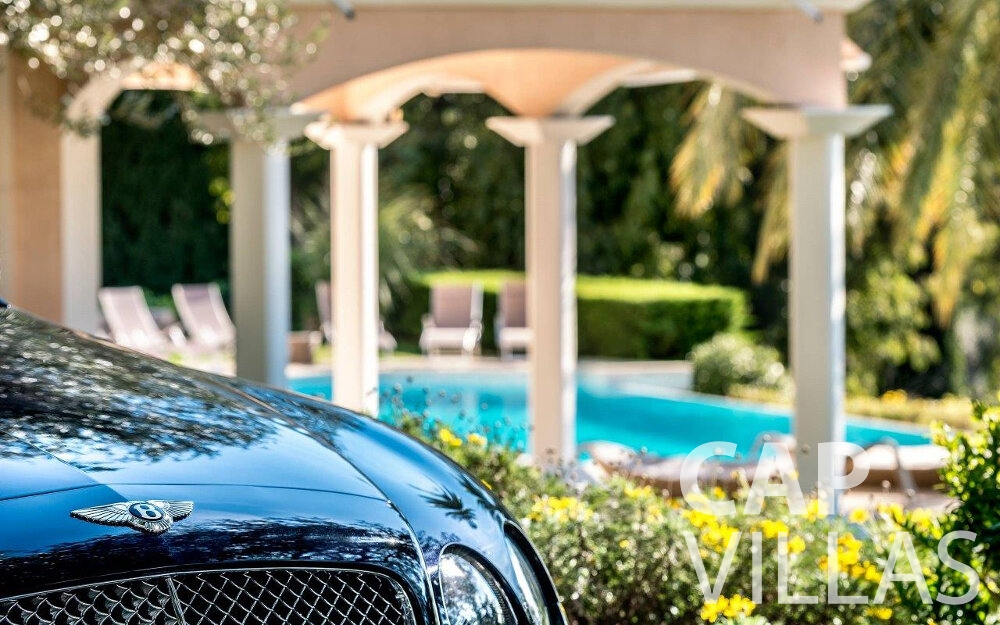 holiday rental Villa Orchid cap dail luxury car