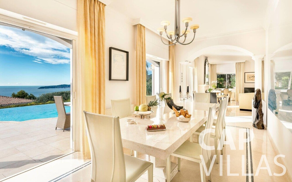 rent Villa Orchid cap dail dining room