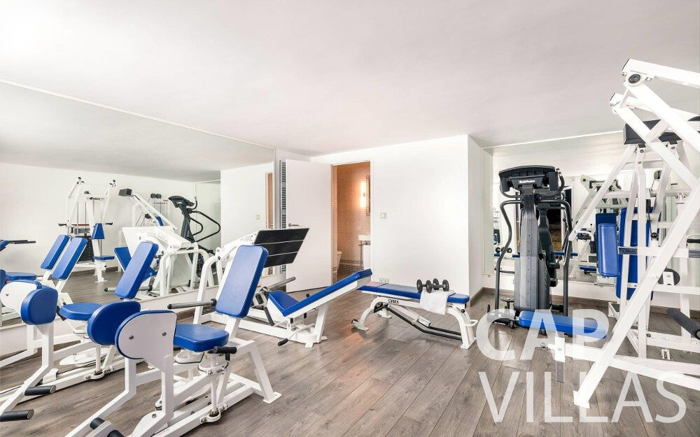 rent Villa Orchid cap dail gym