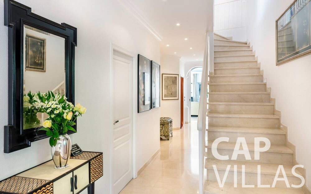 rent Villa Orchid cap dail staircase