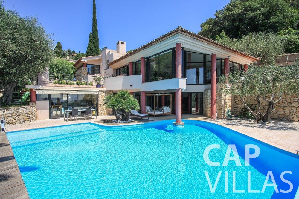 villa for sale villefranche pool view