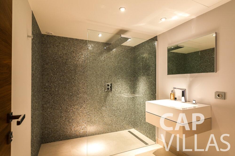 let Villa Rose villefranche batoom