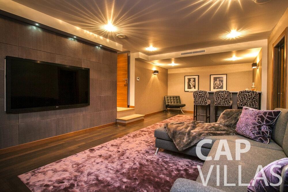 let Villa Rose villefranche living room