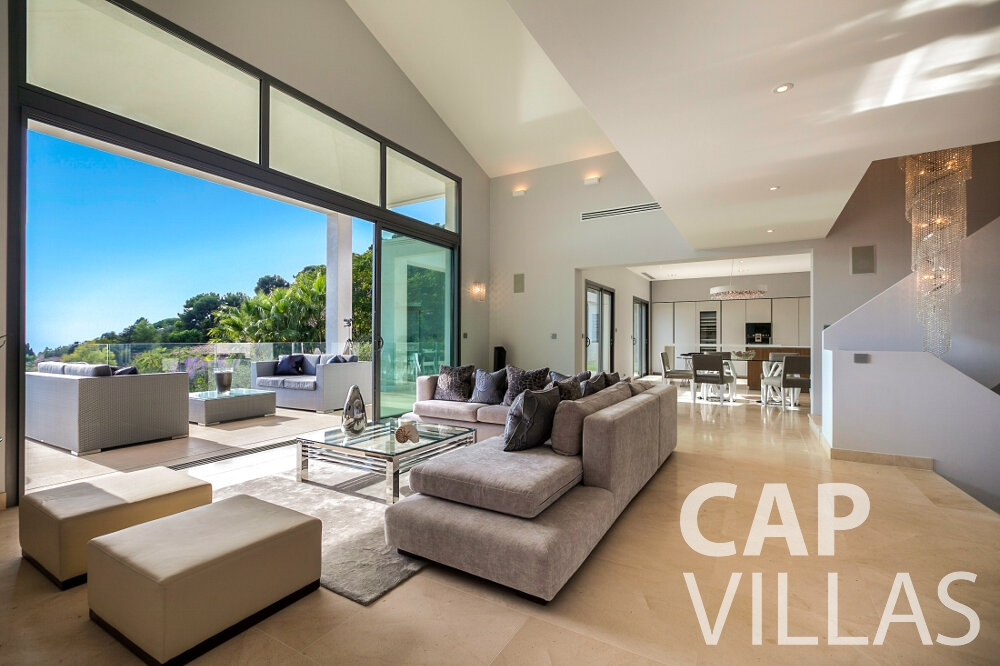 rent Villa Rose villefranche living room