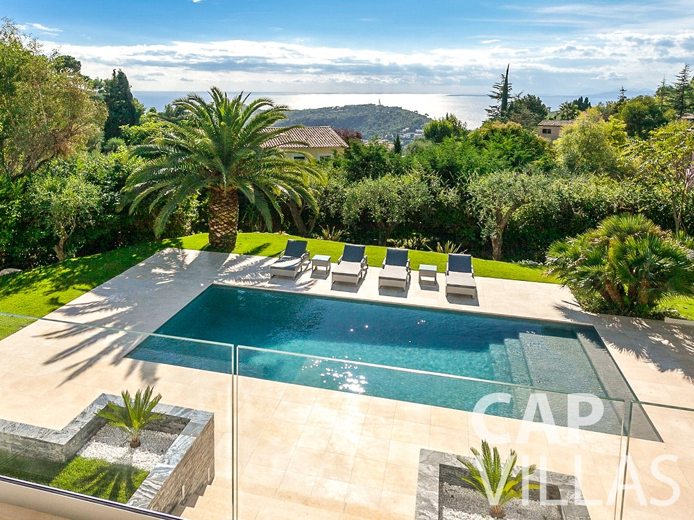 rent Villa Rose villefranche swimming pool