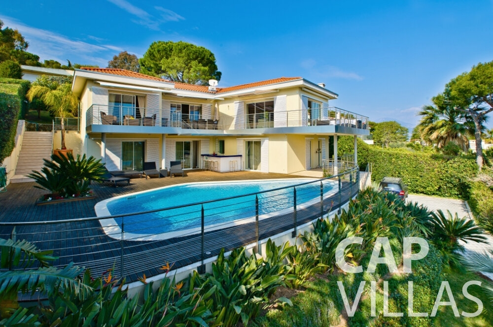 villa for sale cap ferrat outside view